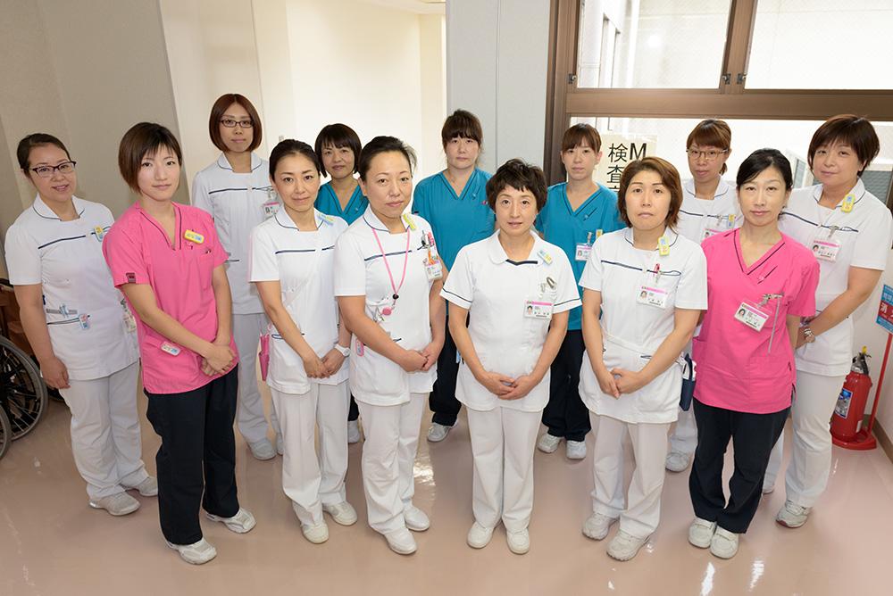 高田さんが現在所属している外来Ⅱのナースたち(左端が高田さん)