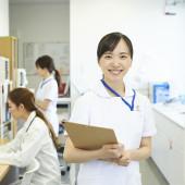 病棟で働く看護師の仕事内容、平均給与、向いているタイプとは?