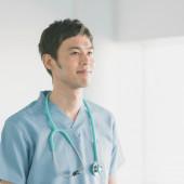 <男性看護師の転職事情>需要や平均年収、活躍できる職場をご紹介